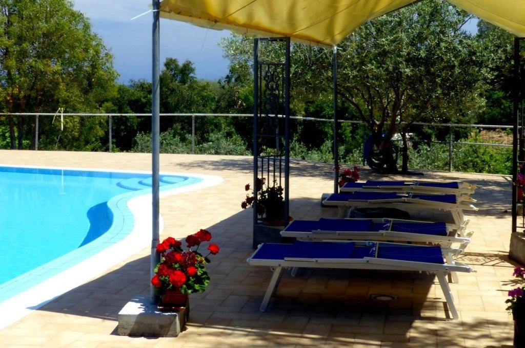 residence-sa-raiga-budoni-sardegna-la-piscina3